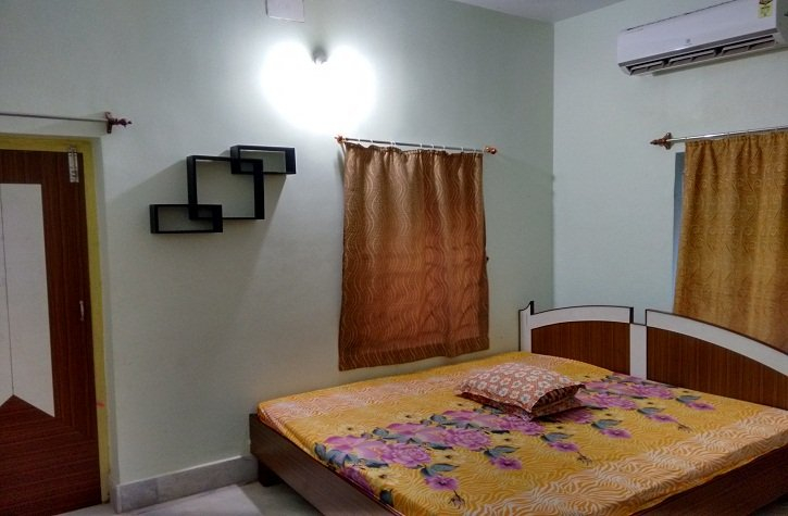 Deluxe Double Bed AC Room